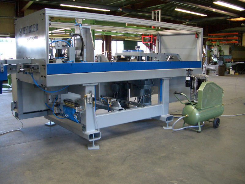 <p>Cold Forming and Cutting Machine for Special Wires</p>